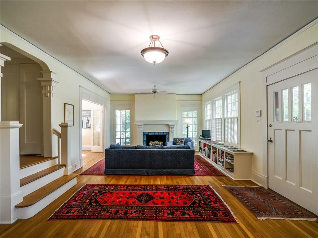 Sold Property | 5716 Gaston Avenue Dallas, Texas 75214 2