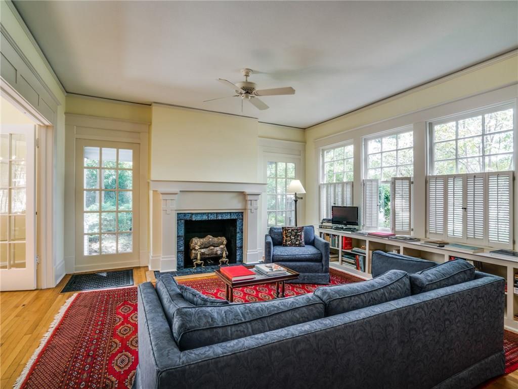 Sold Property | 5716 Gaston Avenue Dallas, Texas 75214 4