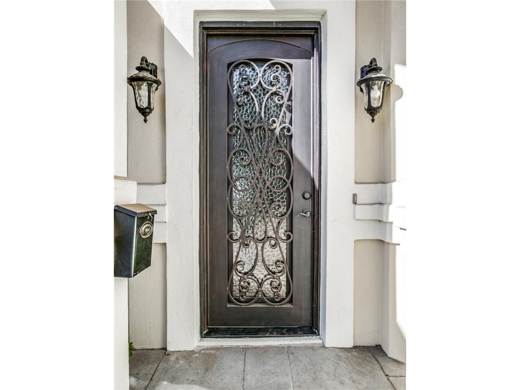 Sold Property | 6139 Belmont Avenue Dallas, Texas 75214 2