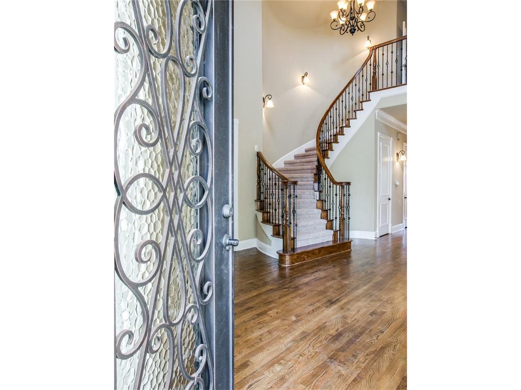 Sold Property | 6139 Belmont Avenue Dallas, Texas 75214 3