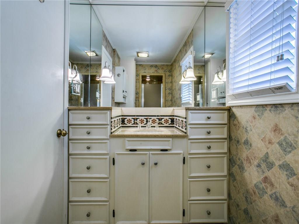 Sold Property | 6150 Saint Moritz Avenue Dallas, TX 75214 18