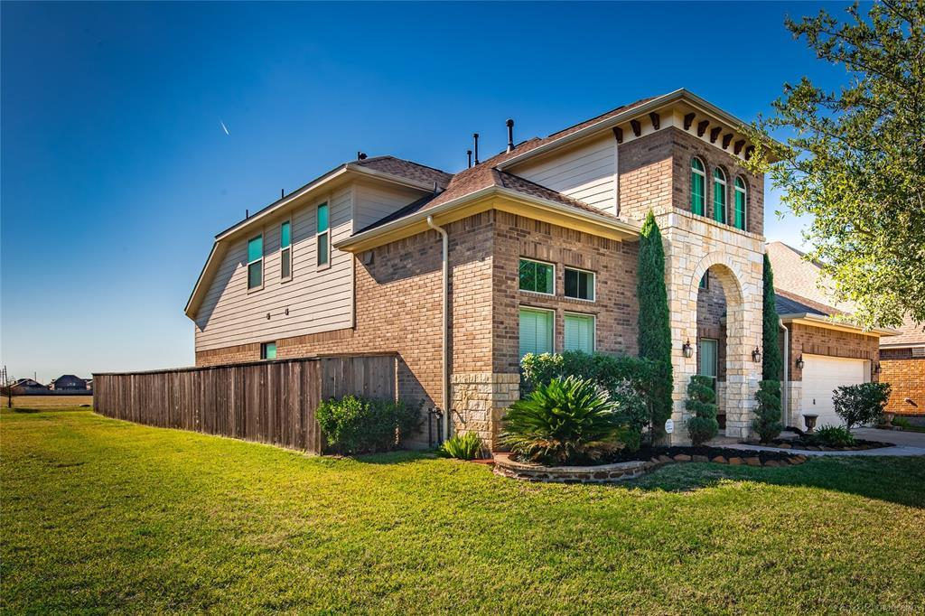 Off Market | 27511 Fleming Bluff Court Fulshear, TX 77441 8