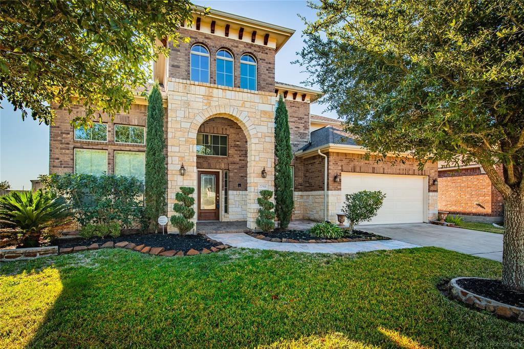 Off Market | 27511 Fleming Bluff Court Fulshear, TX 77441 4