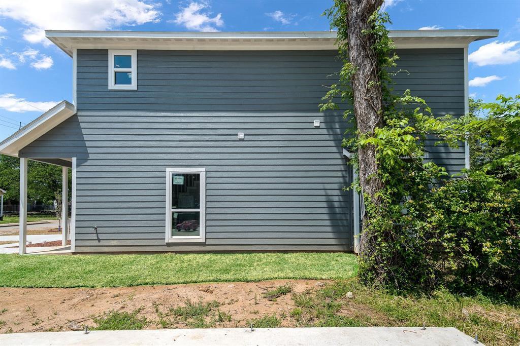 Active   3905 Latimer  Street Dallas, TX 75215 8