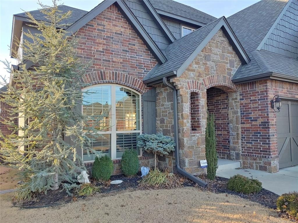 Off Market | 922 S Magnolia Place Broken Arrow, OK 74012 0