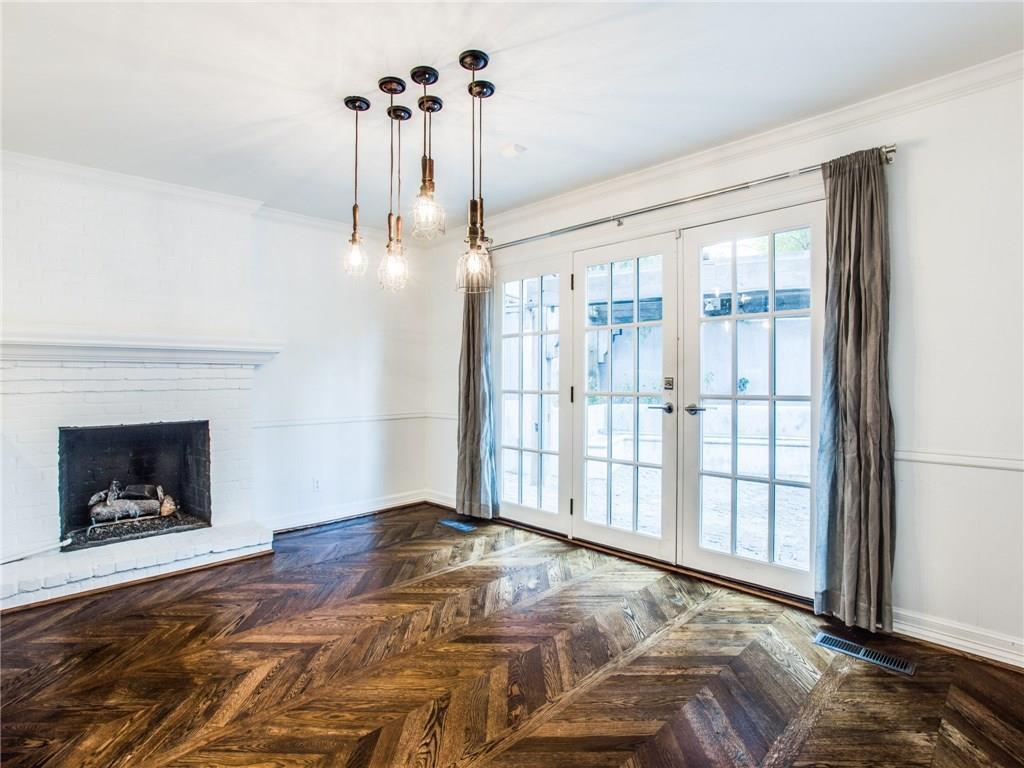 Property for Rent | 6915 Lakeshore Drive Dallas, TX 75214 11