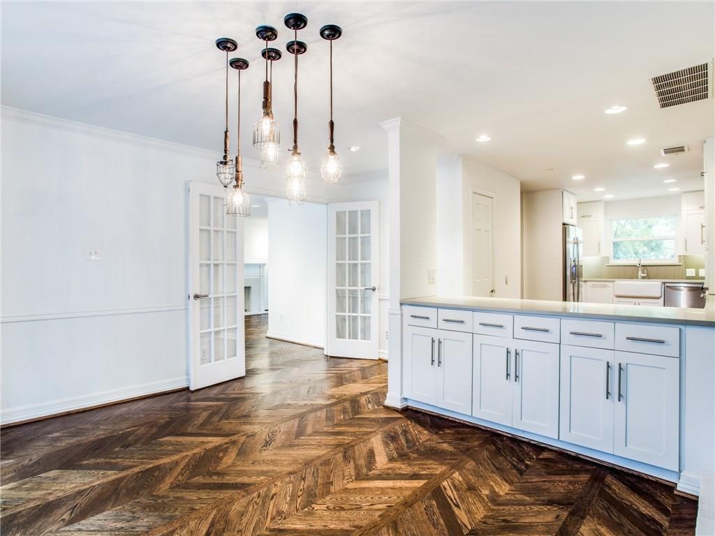 Property for Rent | 6915 Lakeshore Drive Dallas, TX 75214 12
