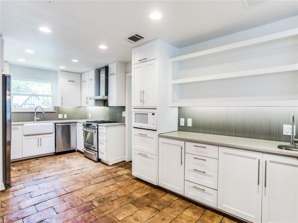 Property for Rent | 6915 Lakeshore Drive Dallas, TX 75214 15
