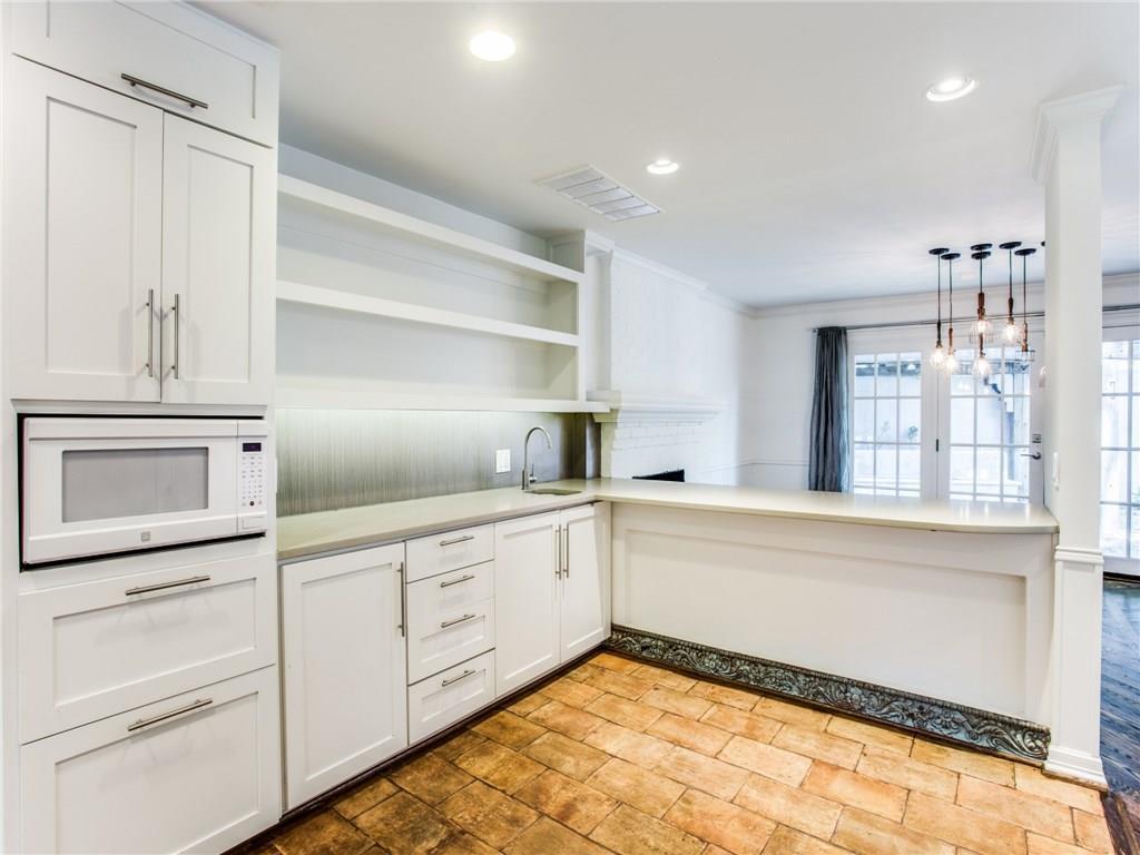 Property for Rent | 6915 Lakeshore Drive Dallas, TX 75214 16