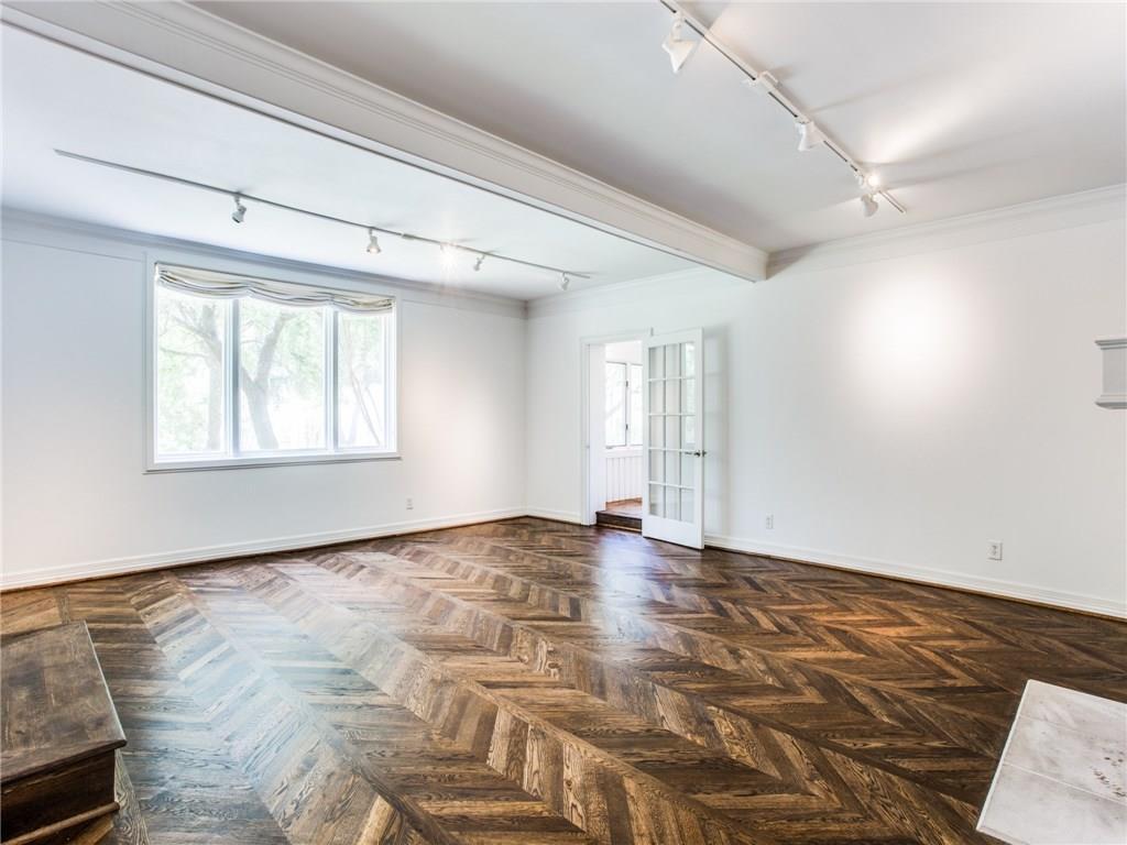 Property for Rent | 6915 Lakeshore Drive Dallas, TX 75214 18