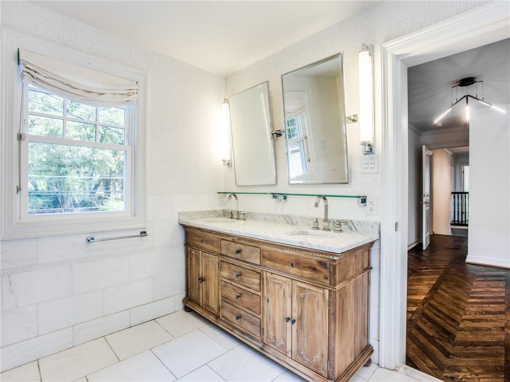 Property for Rent | 6915 Lakeshore Drive Dallas, TX 75214 22