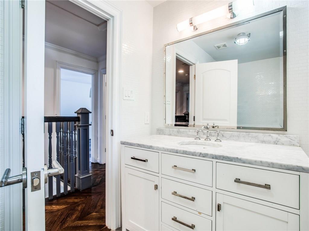 Property for Rent | 6915 Lakeshore Drive Dallas, TX 75214 27