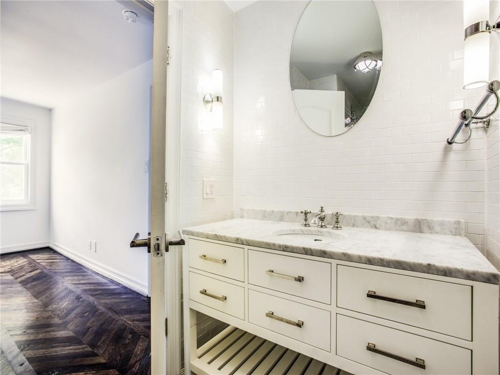 Property for Rent | 6915 Lakeshore Drive Dallas, TX 75214 28