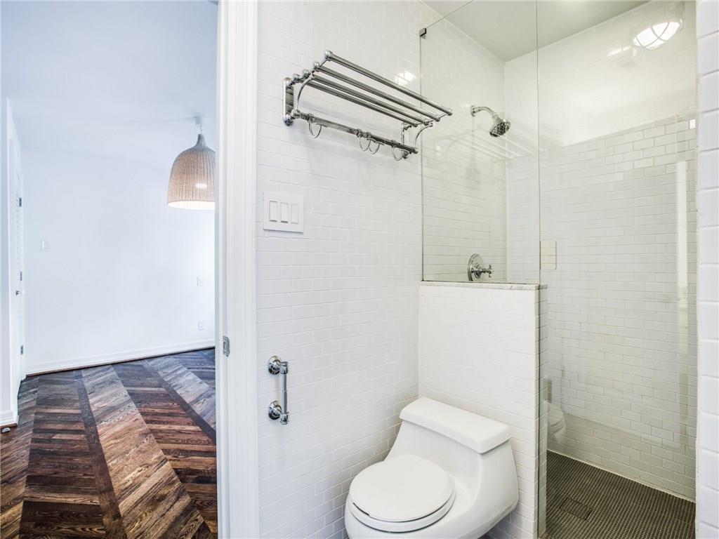 Property for Rent | 6915 Lakeshore Drive Dallas, TX 75214 29