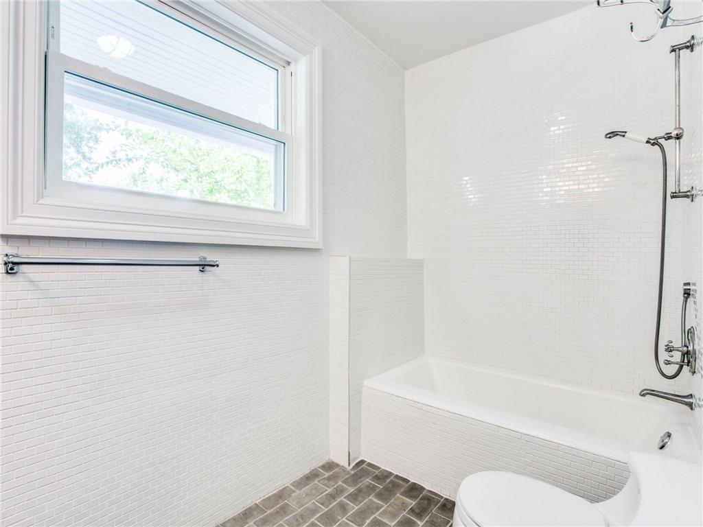 Property for Rent | 6915 Lakeshore Drive Dallas, TX 75214 30