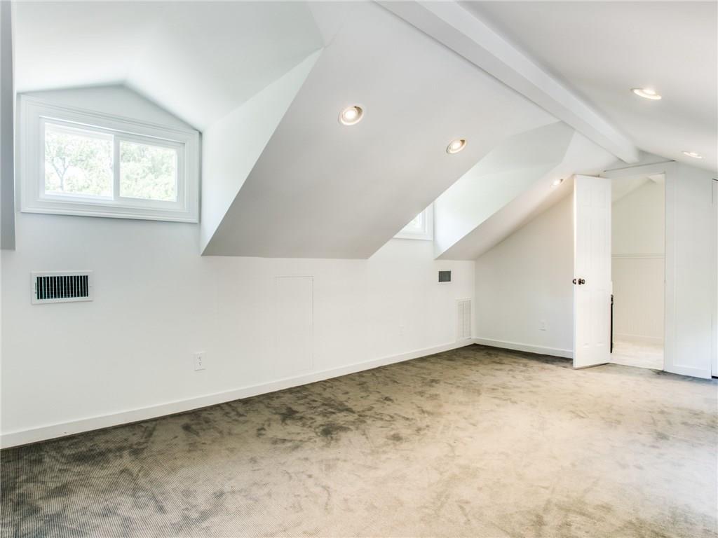 Property for Rent | 6915 Lakeshore Drive Dallas, TX 75214 31
