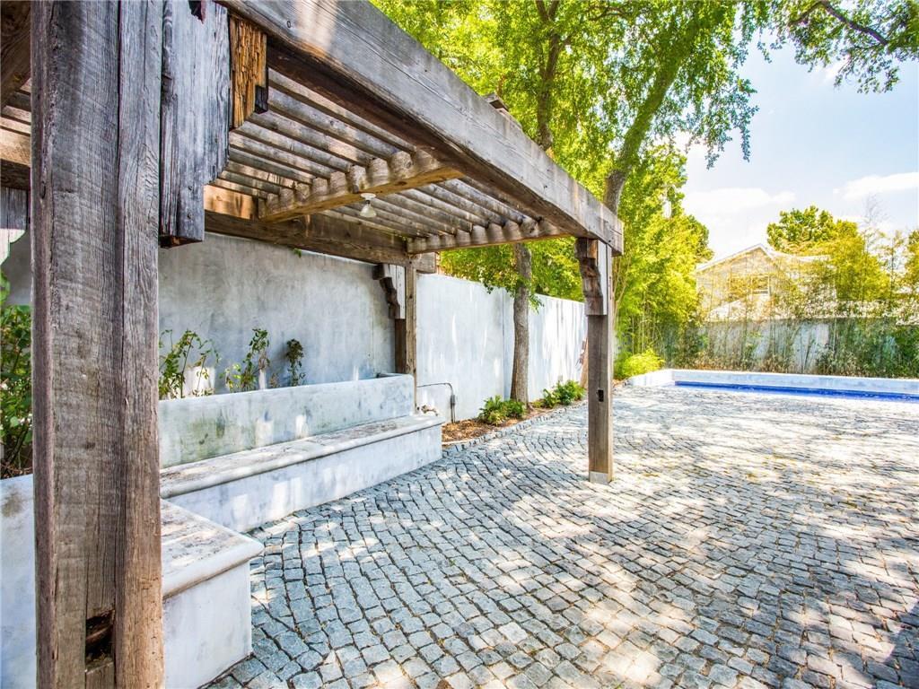 Property for Rent | 6915 Lakeshore Drive Dallas, TX 75214 34
