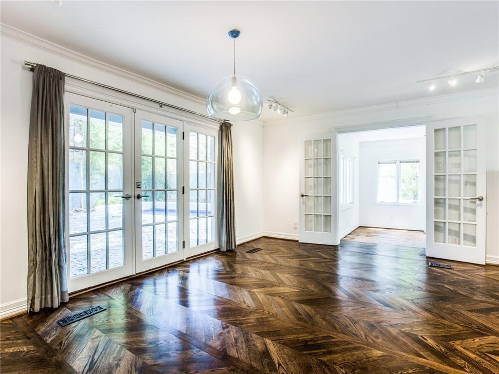 Property for Rent | 6915 Lakeshore Drive Dallas, TX 75214 9