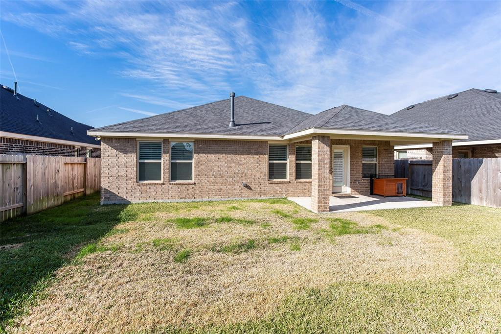 Active | 31513 Timber Grove Lane Spring, TX 77386 32
