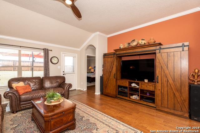Active | 349 Maple Way  New Braunfels, TX 78132 12