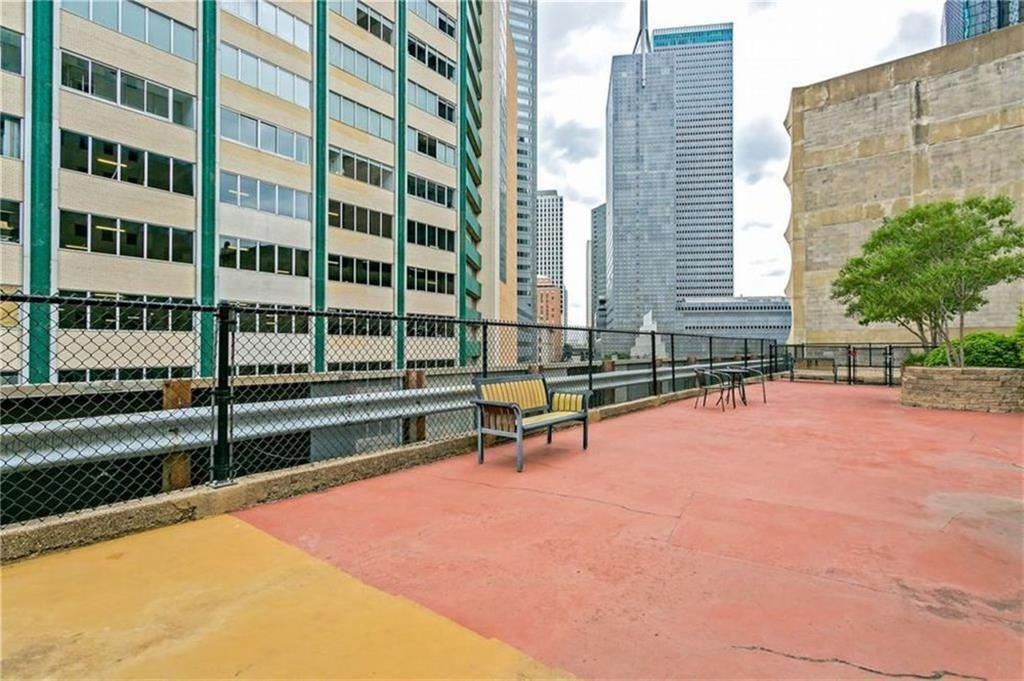 Active | 1505 Elm  Street #1101 Dallas, TX 75201 16