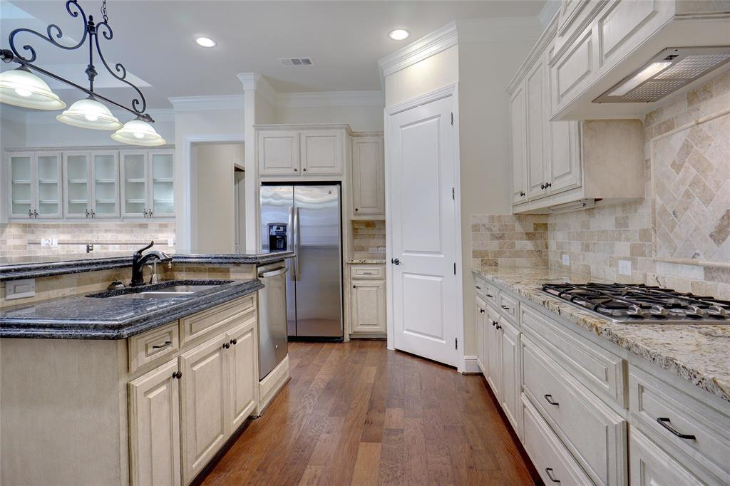 Active | 443 Watermere Drive Southlake, TX 76092 5