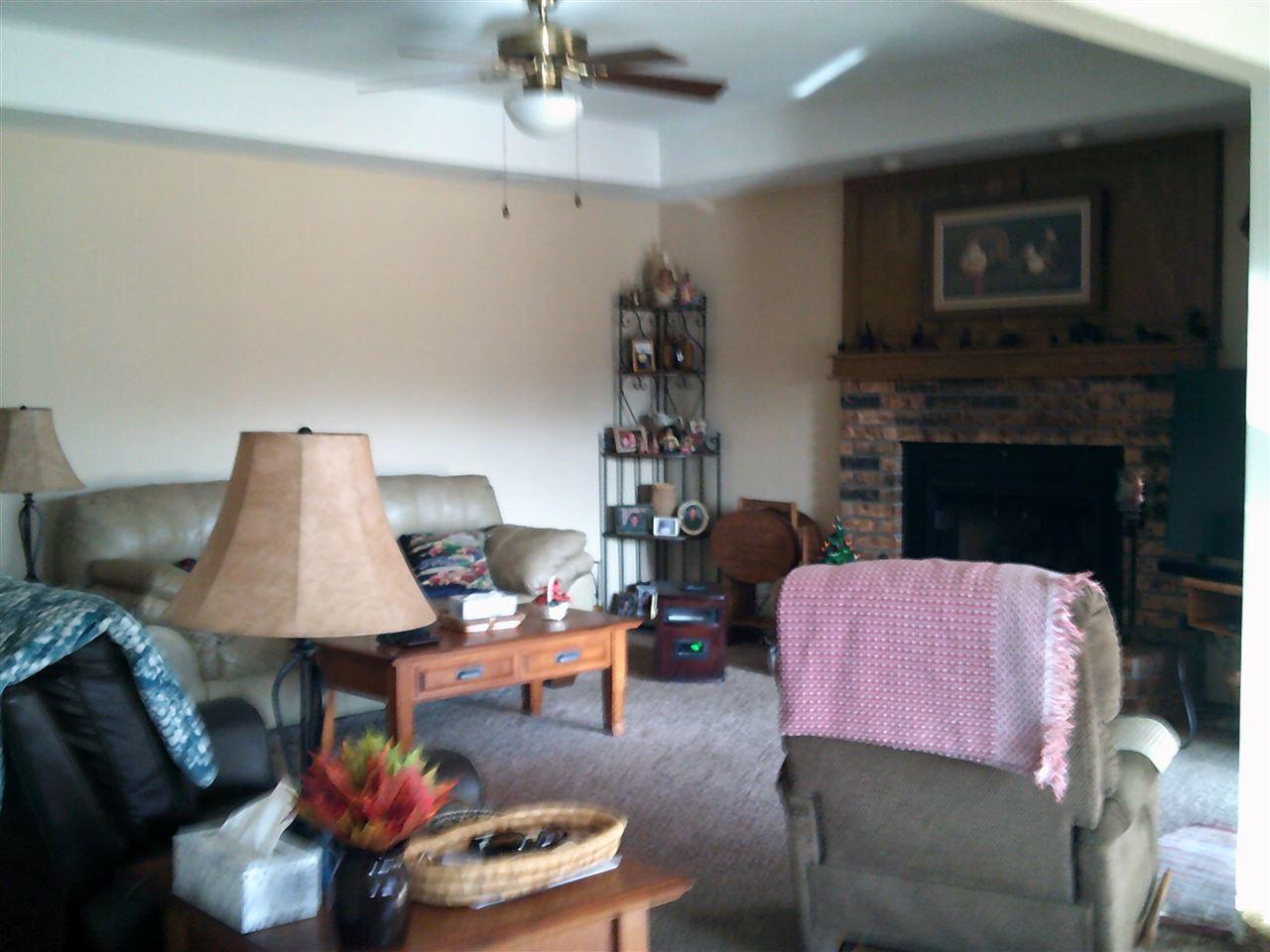 #century21groupone,#homesforsaleponcacity,#poncacityrealestate | 612 Shannon Ponca City, OK 74601 4