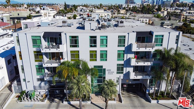 Active   332 S OXFORD Avenue #203 Los Angeles, CA 90020 1