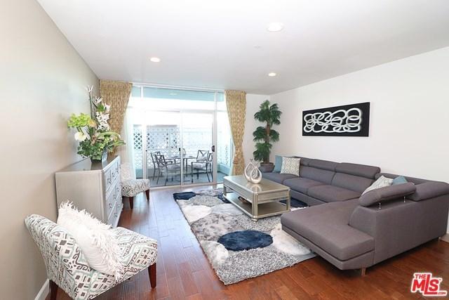 Active   332 S OXFORD Avenue #203 Los Angeles, CA 90020 9