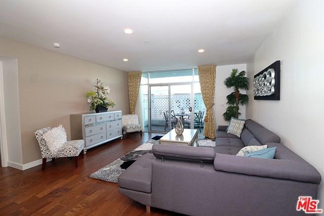 Active   332 S OXFORD Avenue #203 Los Angeles, CA 90020 11