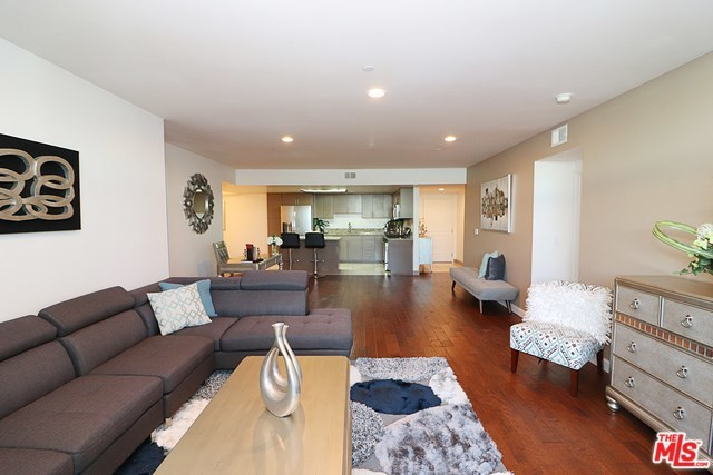 Active   332 S OXFORD Avenue #203 Los Angeles, CA 90020 20