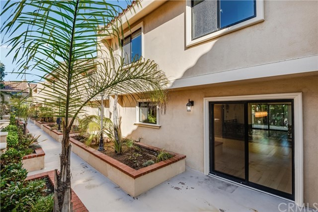 Closed | 1301 S Catalina Avenue #A Redondo Beach, CA 90277 29