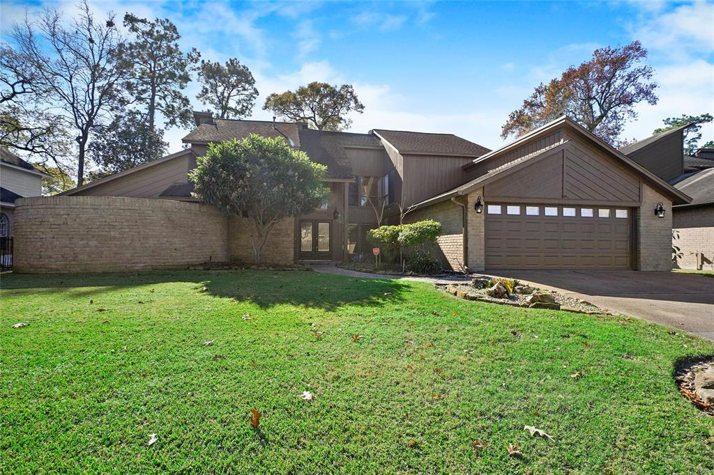 Active | 8322 Bunker Bend Drive Humble, Texas 77346 4
