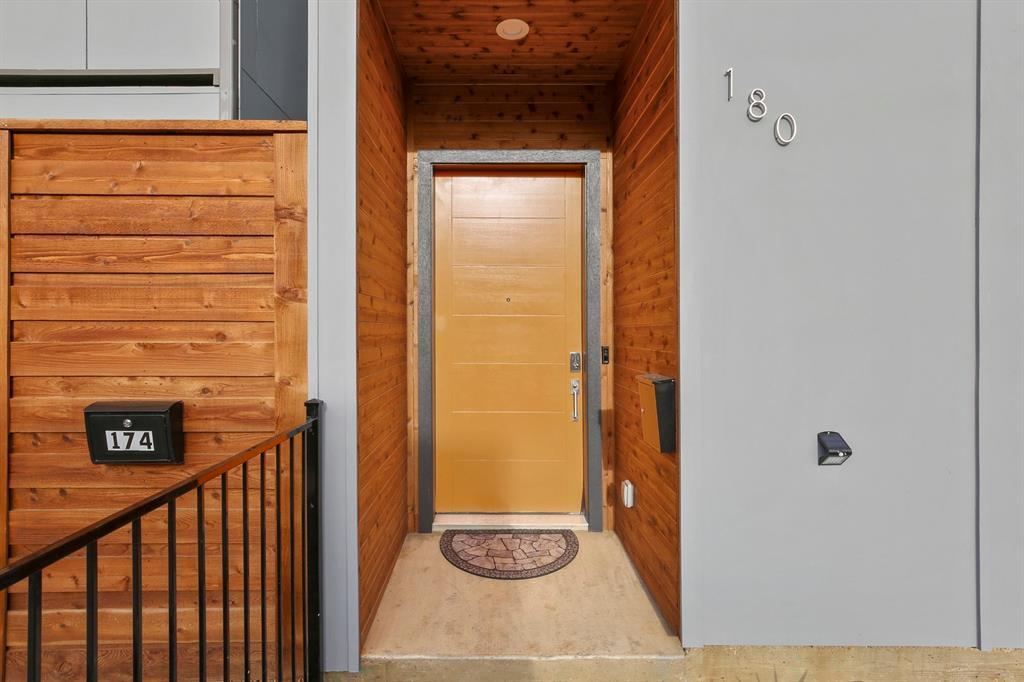 Dallas Luxury Urban Real Estate | 180 S Cisco Street Dallas, TX 75226 2