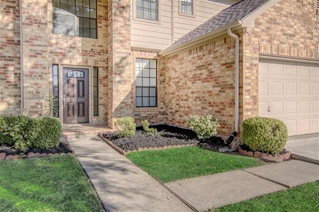 Active | 2810 Park Springs Lane  Lane Sugar Land, TX 77479 4