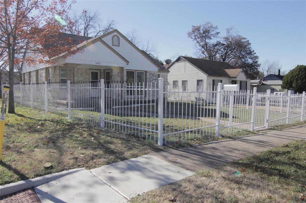 Active Option Contract | 1602 Berkley  Avenue Dallas, TX 75224 1