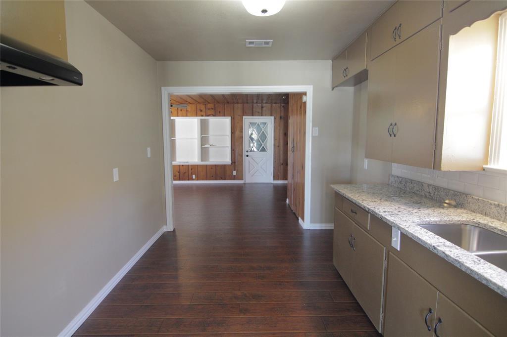 Active Option Contract | 1602 Berkley  Avenue Dallas, TX 75224 5