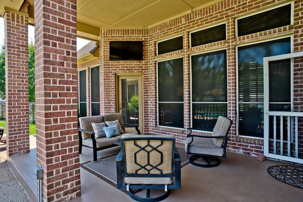 Active Option Contract   409 Southridge Lakes Parkway Southlake, TX 76092 13