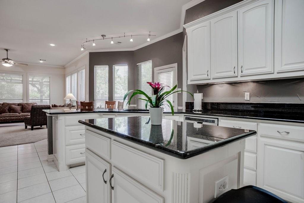 Active Option Contract   409 Southridge Lakes Parkway Southlake, TX 76092 26