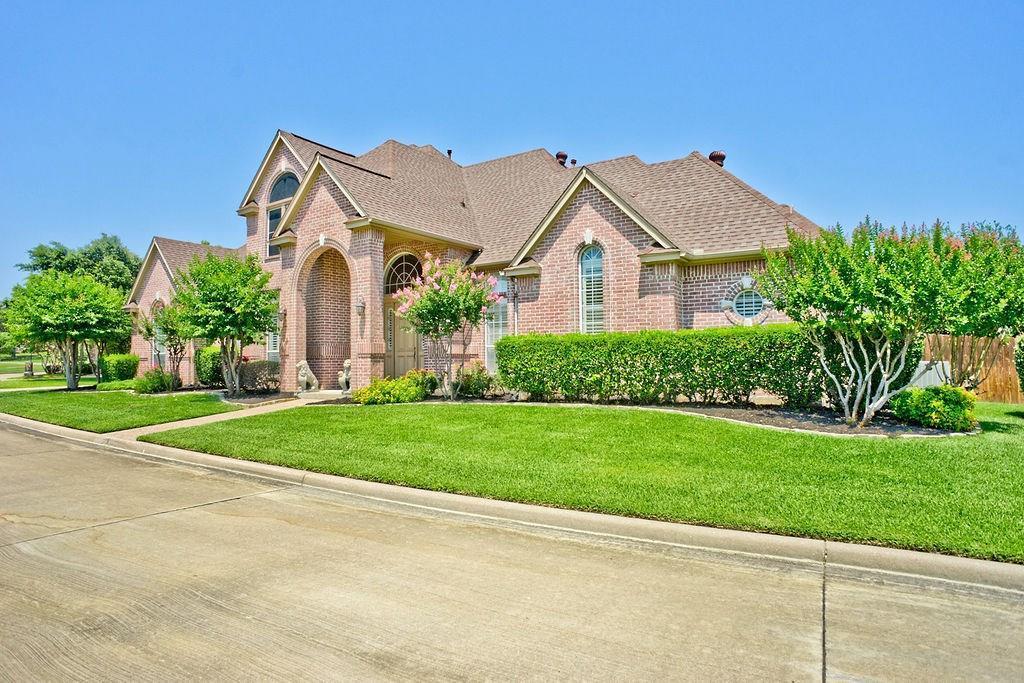 Active Option Contract   409 Southridge Lakes Parkway Southlake, TX 76092 3