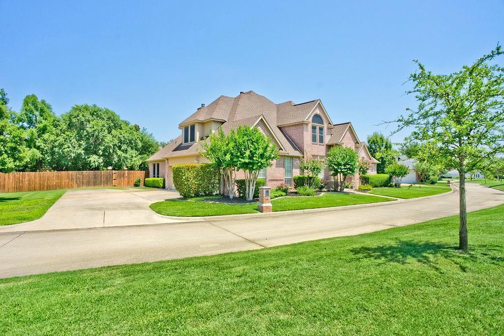 Active Option Contract   409 Southridge Lakes Parkway Southlake, TX 76092 4