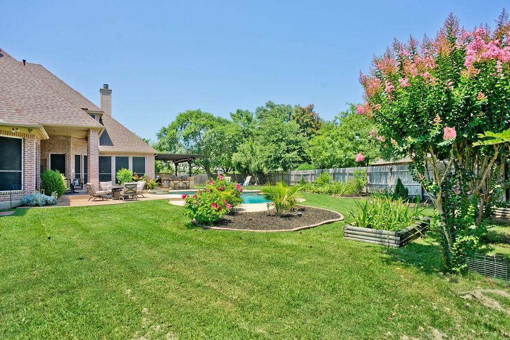 Active Option Contract   409 Southridge Lakes Parkway Southlake, TX 76092 5