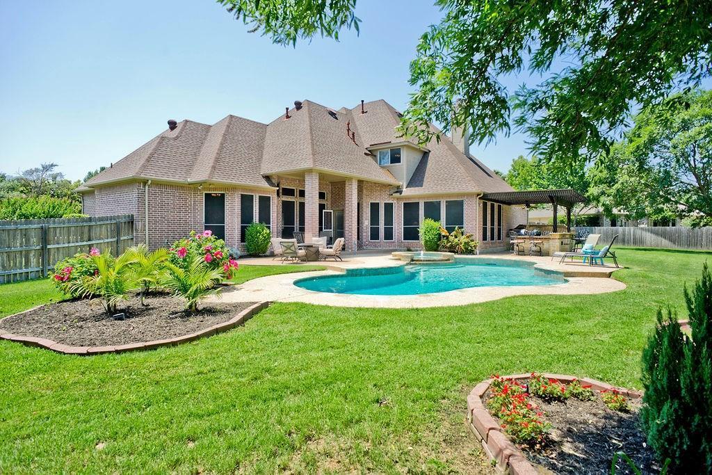 Active Option Contract   409 Southridge Lakes Parkway Southlake, TX 76092 6
