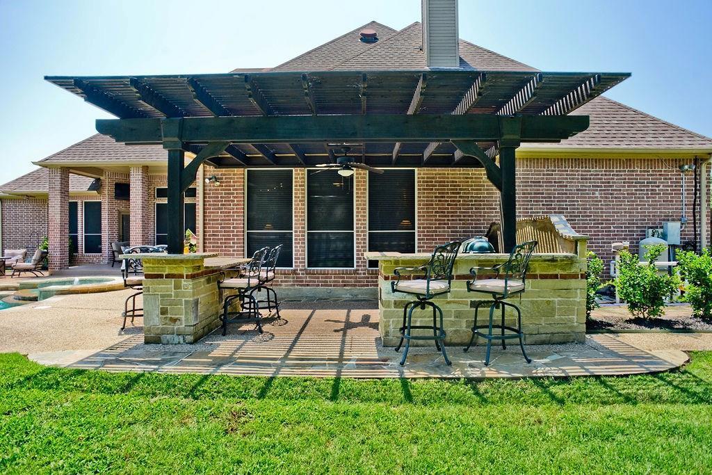 Active Option Contract   409 Southridge Lakes Parkway Southlake, TX 76092 9