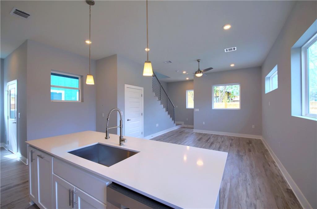 Sold Property   6815 Montana Street #A Austin, TX 78741 12