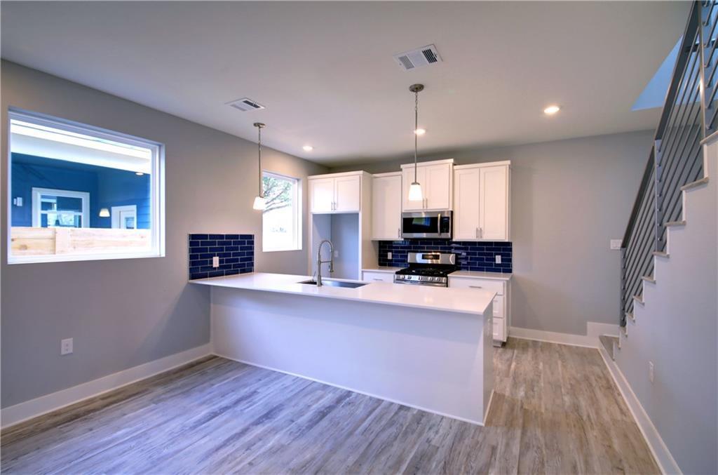 Sold Property | 6815 Montana Street #B Austin, TX 78741 9