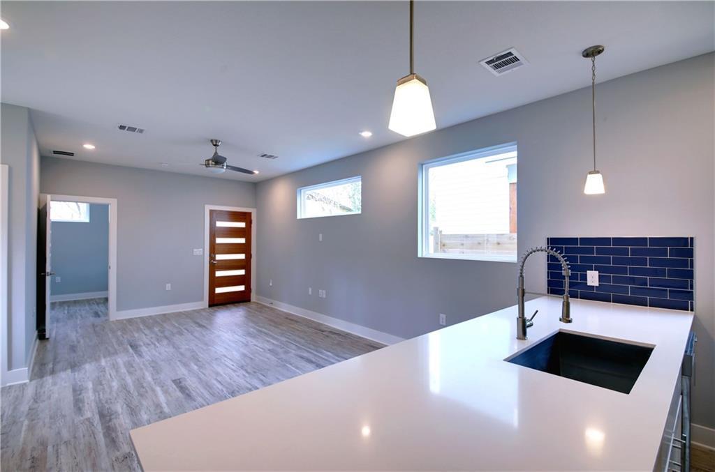 Sold Property | 6815 Montana Street #B Austin, TX 78741 11