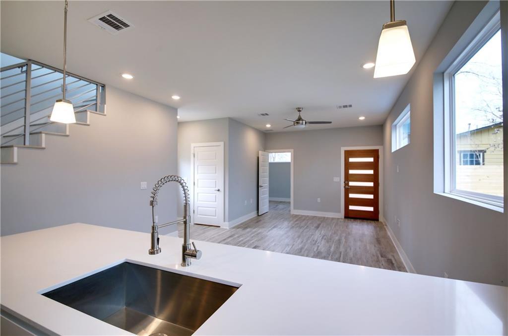 Sold Property | 6815 Montana Street #B Austin, TX 78741 12