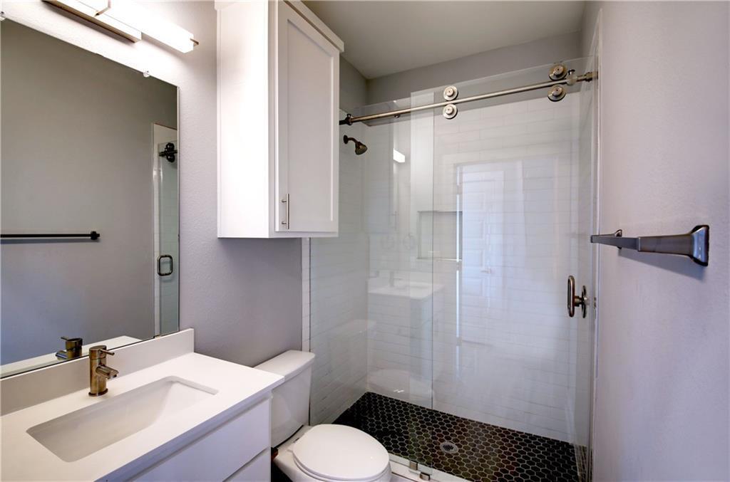 Sold Property | 6815 Montana Street #B Austin, TX 78741 13