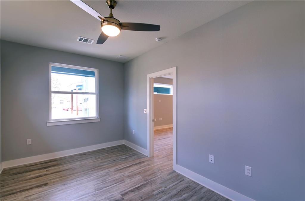 Sold Property | 6815 Montana Street #B Austin, TX 78741 16